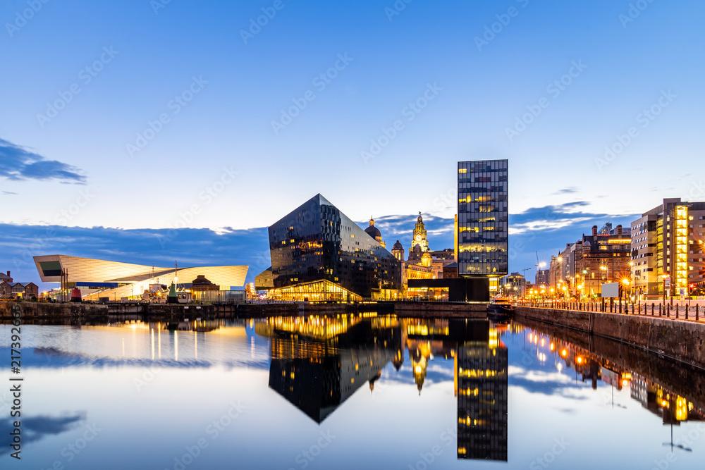 Fototapety, obrazy: Liverpool Skyline Pier head sunset