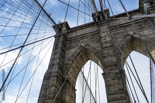 Tuinposter Brooklyn Bridge Brooklyn Bridge on a sunny day