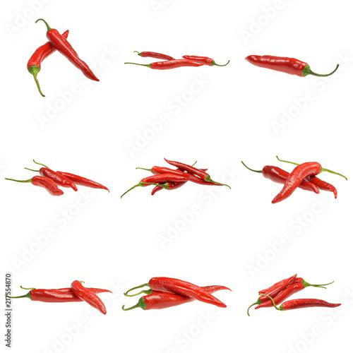 Cuadros en Lienzo Pakiet czerwonych papryczek chili na białym tle