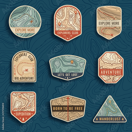 Fotomural  Set of nine topographic map travel emblems