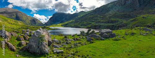 Foto auf Gartenposter Gebirge Landscape of Gap of Dunloe drive in The Ring of Kerry Route. Killarney, Ireland.