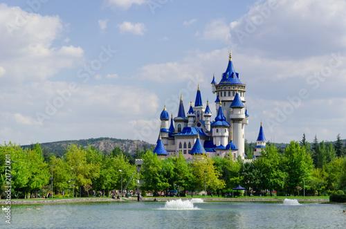 Naklejki do przedszkola  fairytale-castle-in-sazova-park-eskisehir-turkey