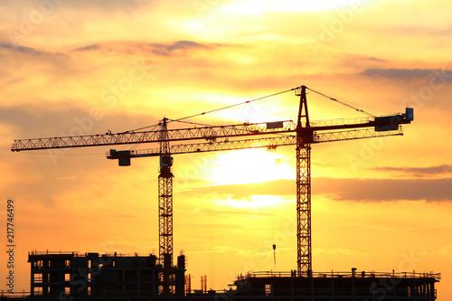 Fototapeta styl industrialny zurawie-budowlane-w-stylu-industrialnym