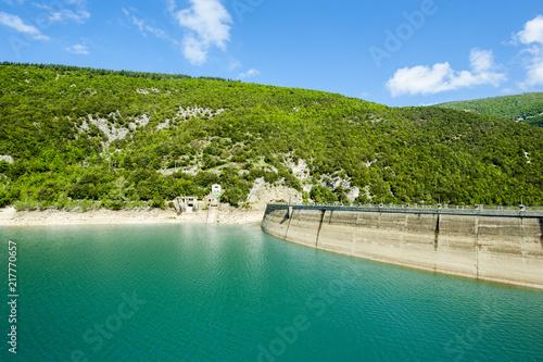 Staande foto Dam Diga del Lago di Fiastra (MC)