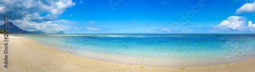 Poster Bleu Sandy tropical beach. Beautiful landscape. Panorama.