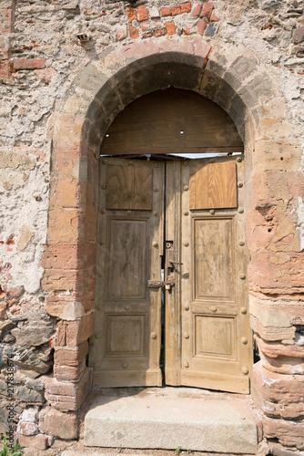 Papiers peints Con. Antique Old architectural details - door and arched entrance