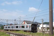 九州佐賀・有田駅に到着した列車