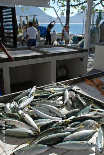 Deurstickers Centraal-Amerika Landen Fresh fish caught in Rio de Janeiro, fishmongers in Copacabana