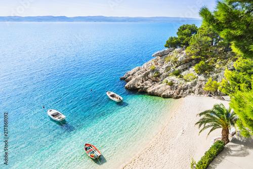 Foto  Beautiful beach near Brela town, Dalmatia, Croatia