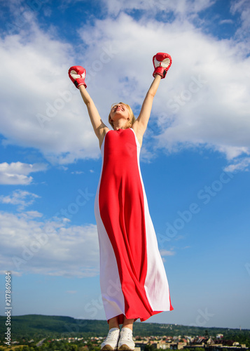 Fotografía  Femininity and strength balance