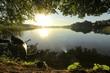 canvas print picture - idylle morgens am See, Kanu am Ufer, Konzept Natur, Abenteuer, Outdoor