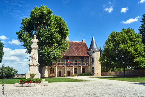 Deurstickers Artistiek mon. monument and Historic mansion in Rumilly-les-Vaudes in Champagne.