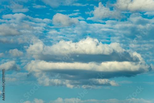 Foto  Nuage sur un ciel d'été
