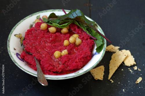 Rote Bete Kichererbsen Hummus Buy This Stock Photo And Explore