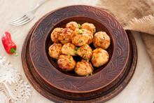 Thai Chili Chicken Meatballs With Sauce