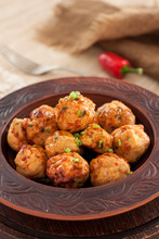 Thai Chili Chicken Meatballs W...