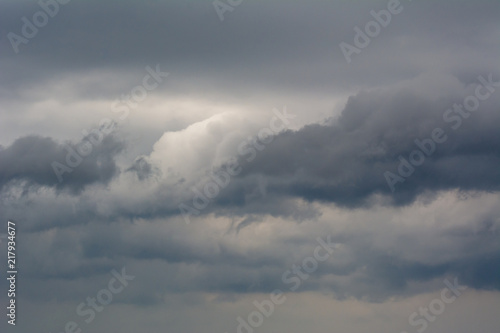 Fotografia Background of the stormy sky and amazing clouds.