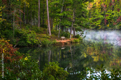 Pinnacle Lake in Table Rock State Park near Greenville, South Carolina, USA Tablou Canvas