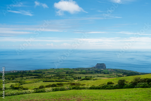 Tuinposter Blauw A view to a landscape and a mount in Faial Island Azores