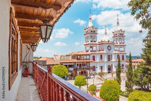 Fotografija  Beautiful Church of San Cristobal seen from a balcony at Mazamitla town in Jalis
