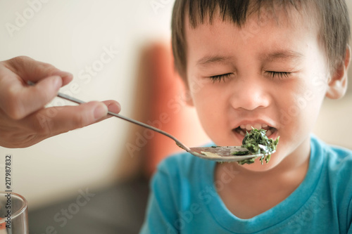 Photo kids and vegetables