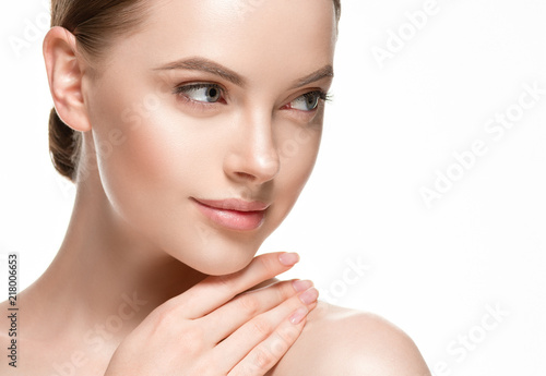 Woman beautifl face closeup with healthy skin and beauty lips and eyes Fototapete