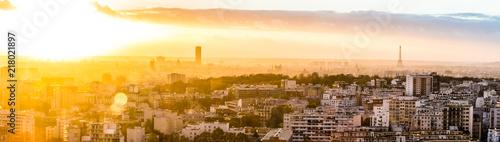 Papiers peints Orange Panorama sur Paris au crépuscule