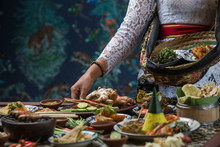 Indonesian Cuisine - Many Trad...