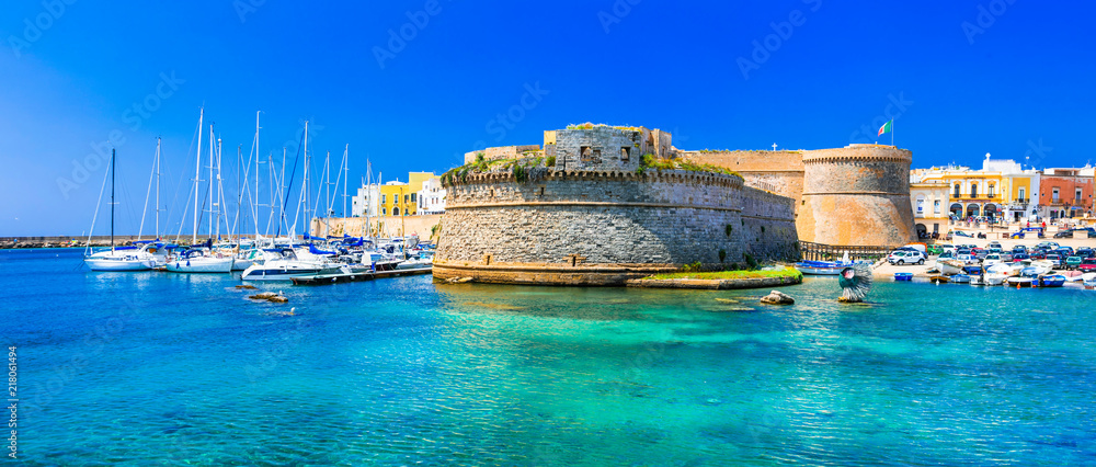 Fototapety, obrazy: Landmarks of Italy - coastal town Gallipol in Pugliai. view of old port with castle.