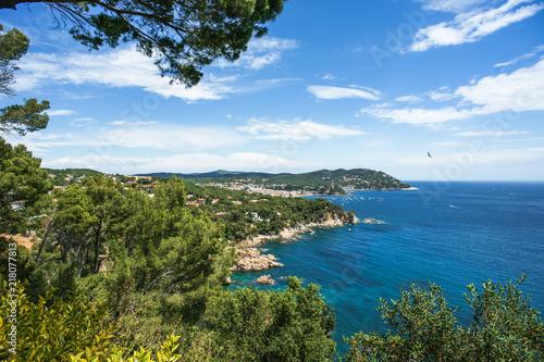 Foto View of Calella de Palafrugell from the cliffs, Costa Brava, Girona, Catalonia