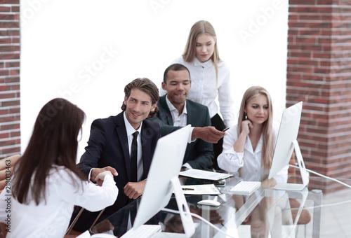 business partner finden