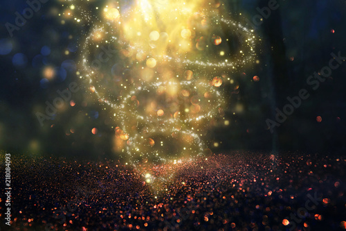 Fotografia Abstract and magical image of glitter Firefly flying in the night forest