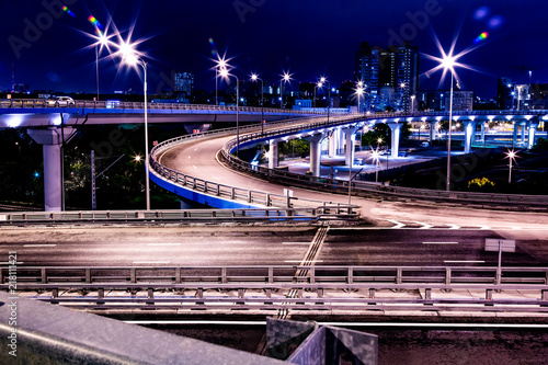 Papiers peints Tunnel Large road junction in night lights