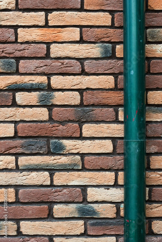 Fotografia, Obraz  brick wall and drainpipe as background