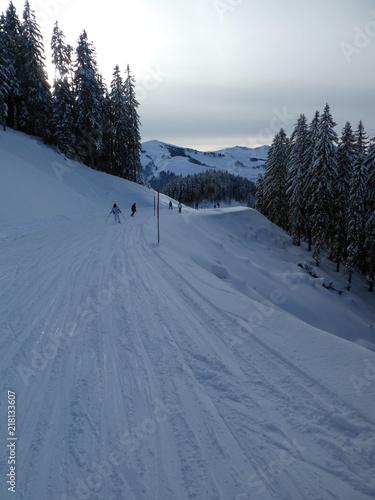 Papiers peints Alpes Skifahrer gegenüber dem Hochkönig