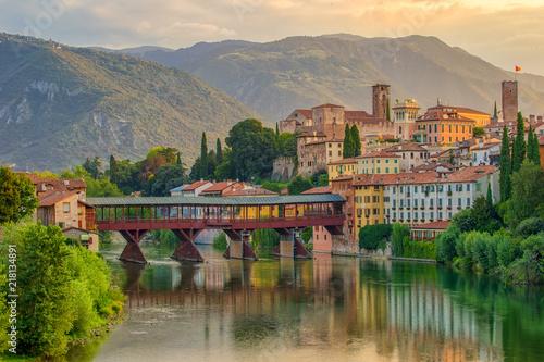 Bassano del Grappa - Stadt an der Brenta Fotobehang