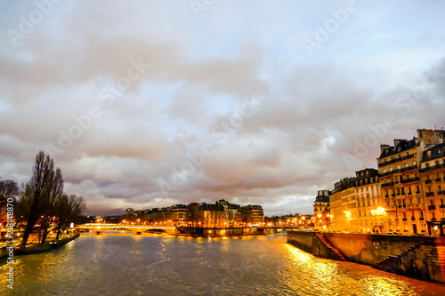 Fotografia  senna river at night, Photo image a Beautiful panoramic view of Paris Metropolit