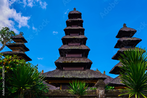 Foto op Aluminium Bali Pura Besakih, Balinese hindu temple ornamented by beautiful carvings and sculptures. Famous picturesque landmark located in the central part of Bali, near Agung volcano. Summer and vacation concept.