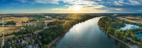 Foto auf Gartenposter Fluss Der Rhein bei Eich