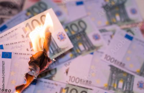 Burning one hundred euro