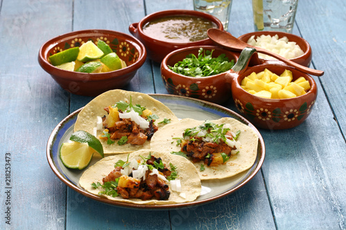 Photo tacos al pastor, mexican food
