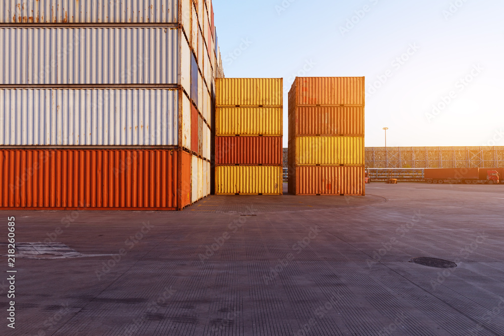Fototapety, obrazy: container in port
