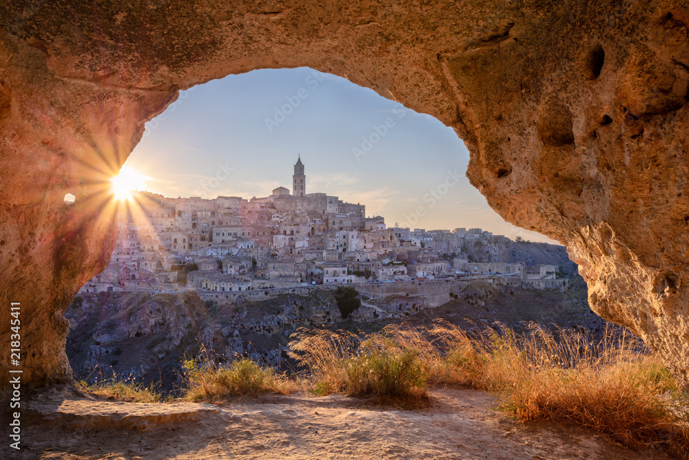 Fototapety, obrazy: Matera, Italy. Cityscape image of medieval city of Matera, Italy during beautiful summer sunset.