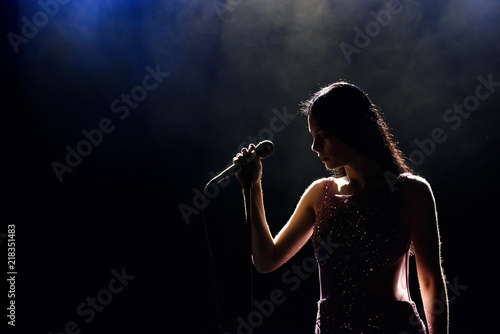 Photo Singer woman on stage