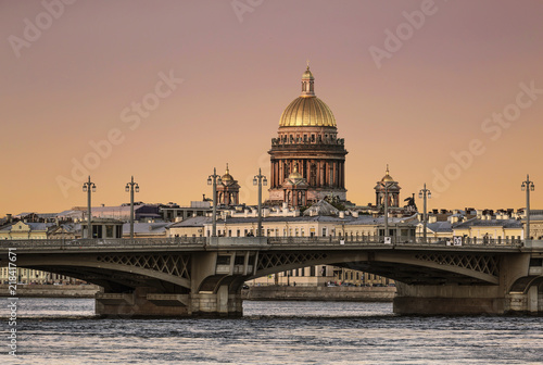 View of the Annunciation bridge across the Neva river and the dome of St Fototapet