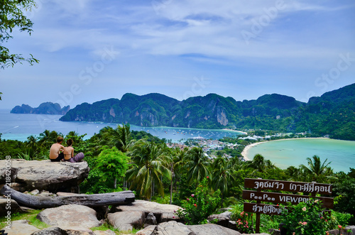 Photo  Phi Phi Island viewpoint at Krabi province in Thailand