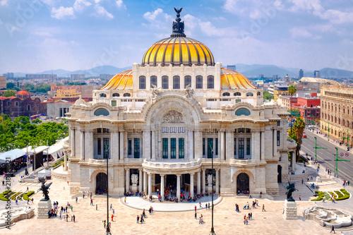 Staande foto Mexico The Palace of Fine Arts (Palacio de Bellas Artes) in Mexico City
