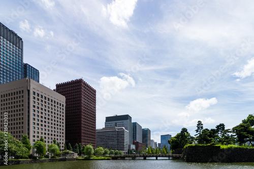 (東京都ー都市風景)和田倉濠に掛かる橋と丸の内ビル群5 Canvas Print