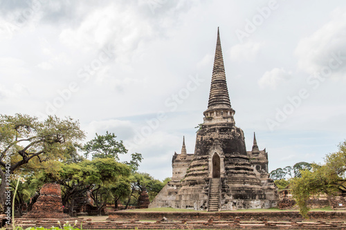 Foto  Sculpture Landscape of Ancient old pagoda is Famous Landmark old History Buddhis