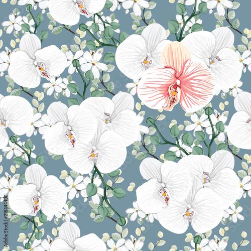 bezszwowa-deseniowa-biala-orchidea-i-dzicy-kwiaty-na-zielonym-backgground-wektorowa-ilustracyjna-reka-rysujaca